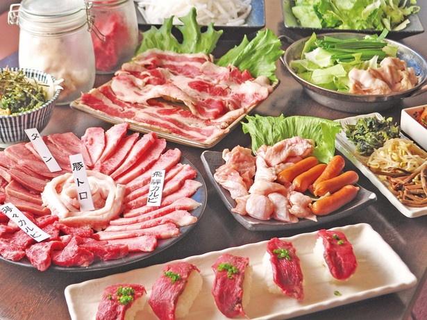 飛騨牛カルビ、豚トロ、飛騨牛肉寿司など、圧倒的なコスパを誇る/飛騨牛卸問屋 炭火焼肉ジン