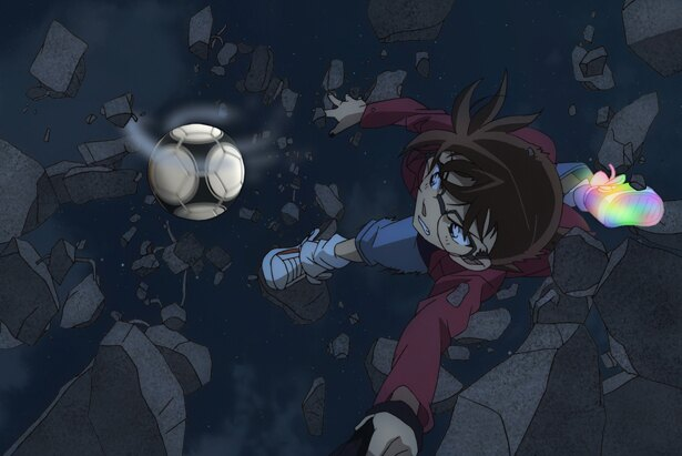 阿笠博士が発明したガジェットを駆使して戦うコナン