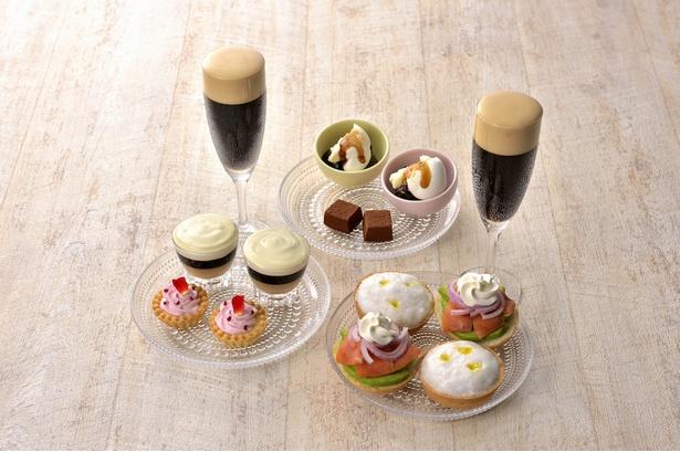【写真を見る】「ネスカフェ アイスクレマ(泡)カフェ」で味わえる、坂井シェフ・吉武シェフ考案の泡をテーマにした贅沢な料理