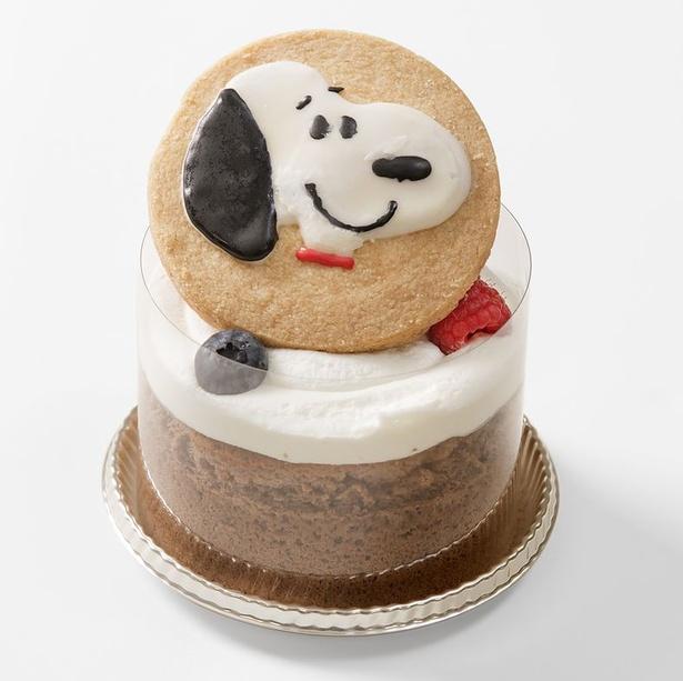スヌーピーのクッキーが印象的!パティスリーアクイーユの「ガトーパンケーキ」(税抜920円)