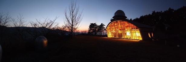 本館「月の館」には、木星の巨大模型などを展示