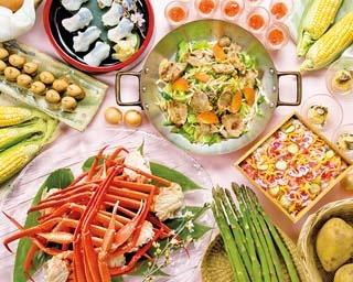 春の食材をふんだんに使用し、見た目も鮮やかな料理がそろう
