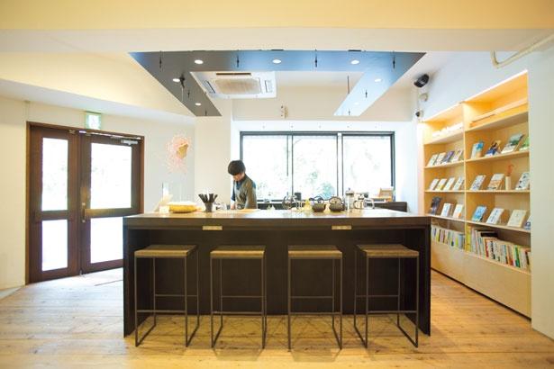 1階のメインカフェスペース/CHASHITSU Japanese Tea & Coffee