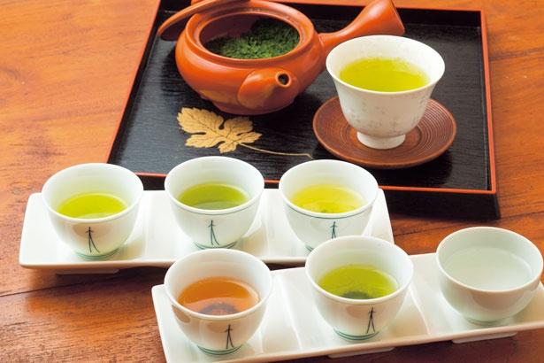 「おすすめ5種利き茶セット」(手前)・600円、1日5セット限定)/神戸チャイハーネ
