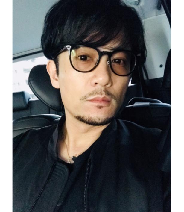 眼鏡姿の稲垣吾郎