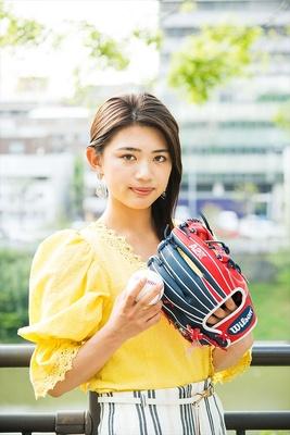 小・中学校で9年間野球を続けていた坪井さん。「MLB Spring training2018」の企画特派員としてアリゾナ春季キャンプを取材するなど、野球女子としての活動はますます広がるばかり!