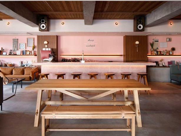 ラウンジ&バーは深夜まで営業しているのでニ次会、三次会などにもおススメ