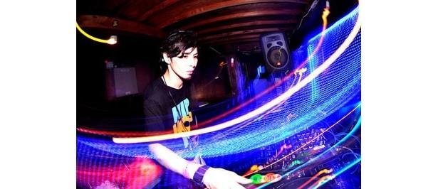 DJ RAYMOND。都内のクラブや野外フェスでも活躍中