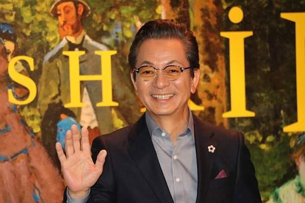 【写真を見る】「まさに自分がそこにいるような、旅をしているような気分が味わえる展覧会」と水谷豊