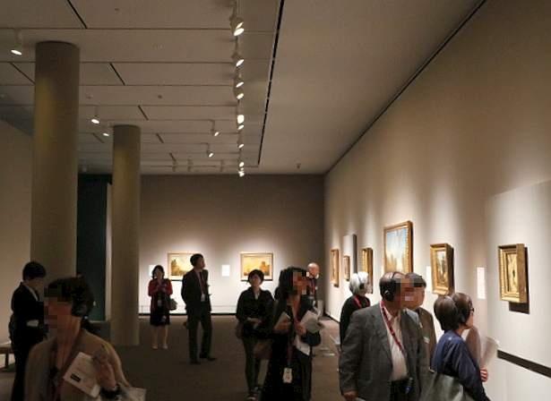 展覧会の様子。フランス近代風景画の流れをたどることができる