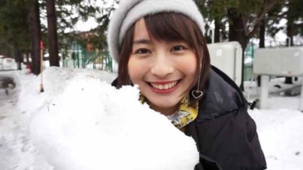 """【写真を見る】雪と戯れるロン・モンロウのはにかみ笑顔に""""キュン死""""?"""
