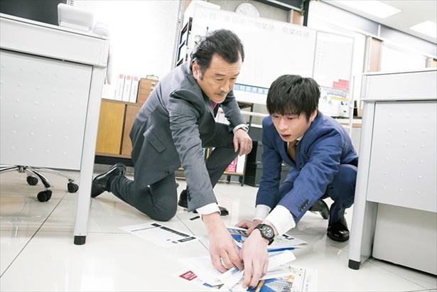 春田(田中圭)と黒澤(吉田鋼太郎)の手が触れ合うだけで…キュン。「おっさんずラブ」の魅力とは?
