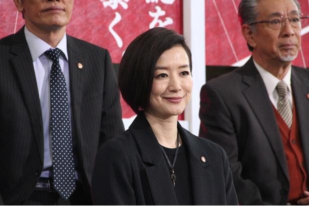 鳴海理沙役・鈴木京香