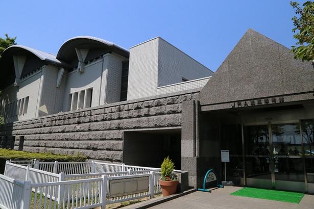 東京競馬場内にあるJRA競馬博物館。競馬観戦の合間に訪れれば立派な家族サービスだ