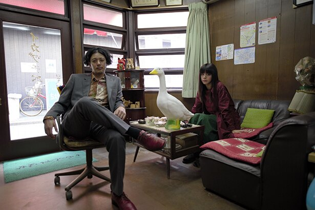 池田エライザと、その叔父であり胡散臭い不動産屋役のオダギリジョーのコンビに注目!