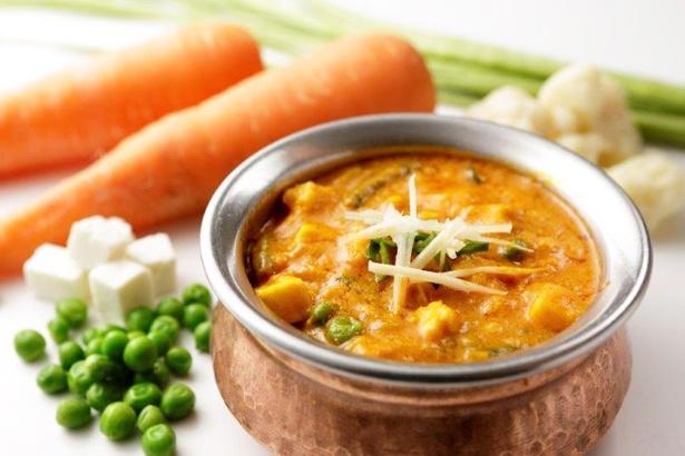 「インド料理 ラサマンダ」による「カレー&ナン」(800円)のイメージ