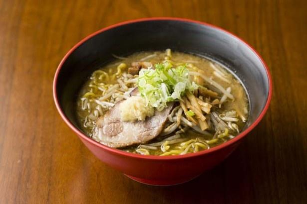 「麺屋 玄」の「味噌ら~めん」(750円)。濃厚だがマイルドなスープは、コク、旨味、甘味、味噌の香ばしさのバランスが絶妙