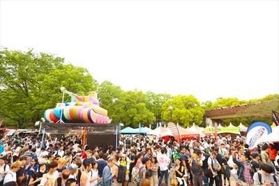 代々木公園イベント広場には昨年を超える出展ブースが並ぶ予定(写真は2017年の様子)
