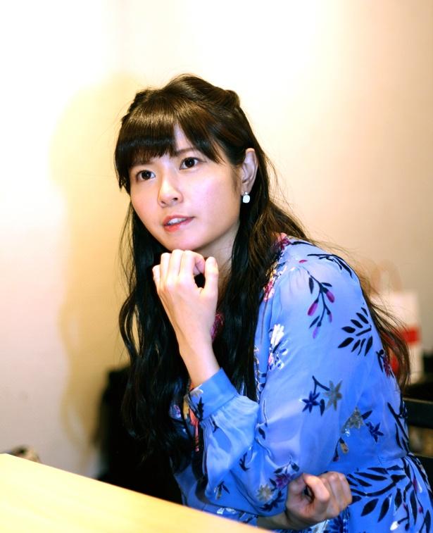 青の服が似合う竹達彩奈