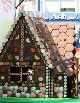 【写真】甘〜いお菓子の家「Jiyugaoka Sweets House」はコチラ!