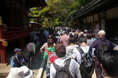 薬王院では一時、こんな大渋滞が!
