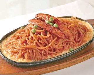 喫茶店の定番・タマゴとスパゲティが絡み合う鉄板イタリアン