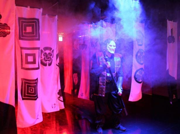 「NINJA TOWN」には、忍者体験とアトラクション性を持つ新しい、ミッションクリア型忍者からくり屋敷があり、修行体験に加え、隠れる・戦う・謎解きが楽しめる