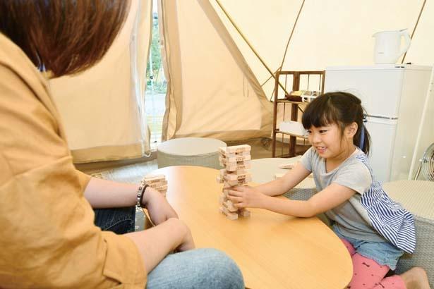 夜がふけたらテント内で盛り上がろう/GRAX PREMIUM CAMP RESORT 京都 るり渓