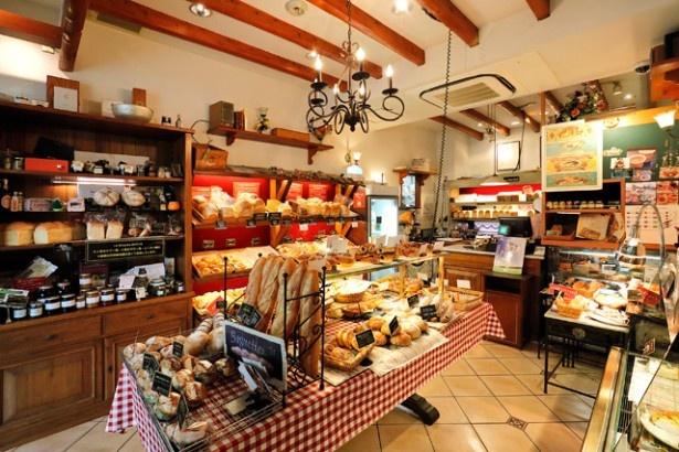"""「La Brioche」は""""食は生命なり""""をコンセプトに、不要なものは加えず必要なものは省かない、こだわりパンが自慢"""