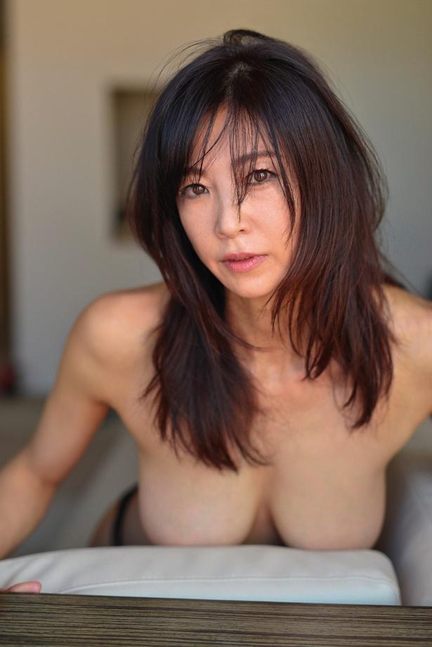 中島史恵DVD「50~fifty love」 (スパイスビジュアル)より
