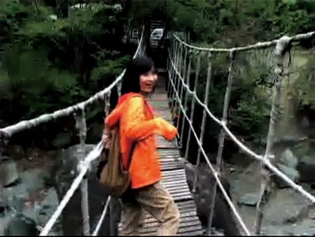 吊り橋を訪れた女性の身に悲劇が起きる「吊り橋」(58巻に収録)