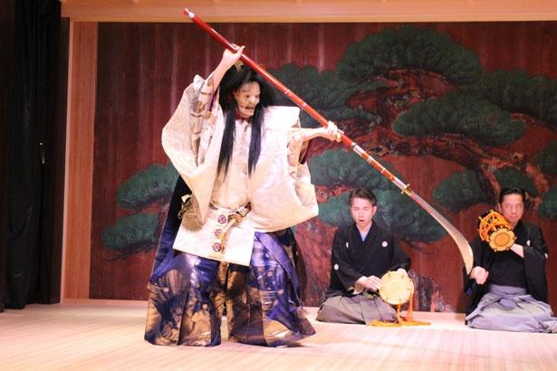 能の演目「船弁慶」の一幕。ダイジェスト版のため、初心者も鑑賞しやすい