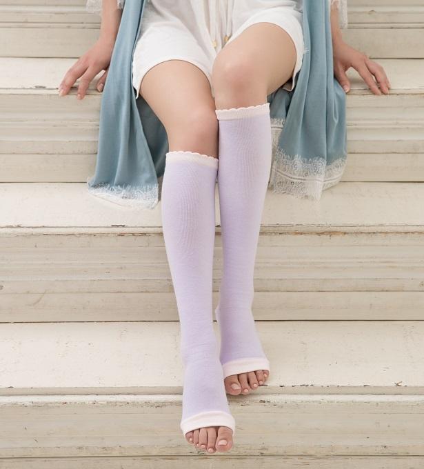 履くだけで疲れた足を心地よくストレッチ