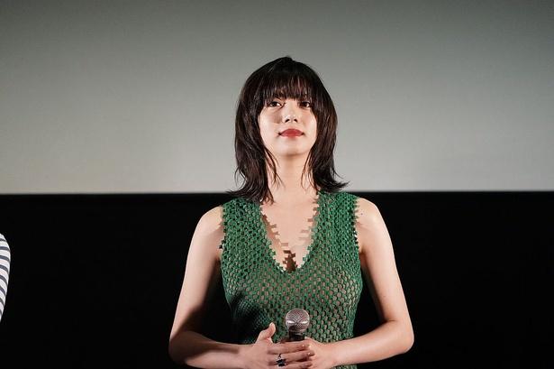舞台あいさつに登壇した池田エライザ