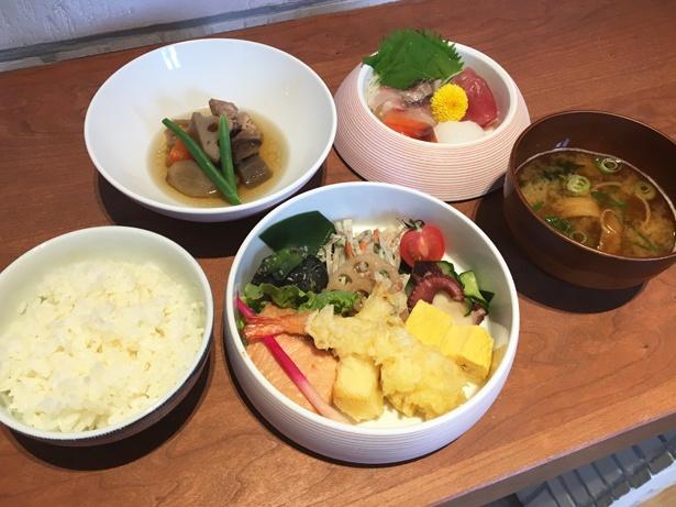 有田三段重の定食1580円