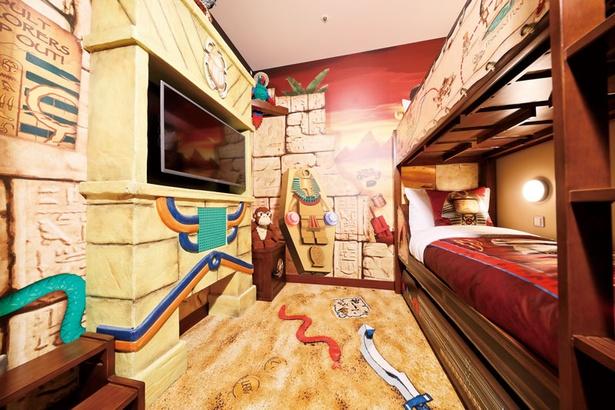 2段ベッド専用テレビを備える子供部屋
