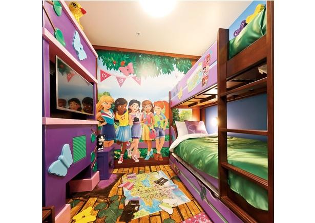 ハートレイクシティのフレンズが描かれた子供部屋