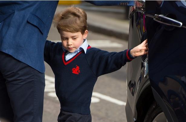 ルイ王子お披露目の日、ジョージ王子がとった行動とは?