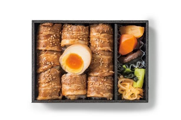 丸の内駅舎の赤レンガを表現した笹八の「赤レンガ豚蒲焼乃巻弁当」(1180円)
