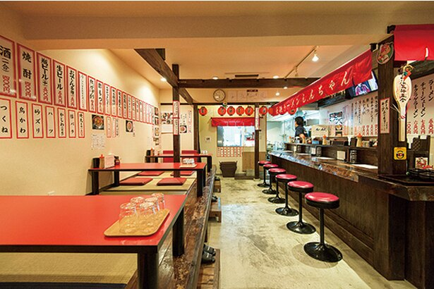 長浜ラーメン しんちゃん / ランチ営業も実施する麺居酒屋