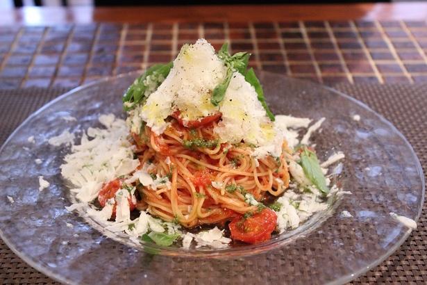 氷のモッツアレラと冷製トマトのカッペリーニ