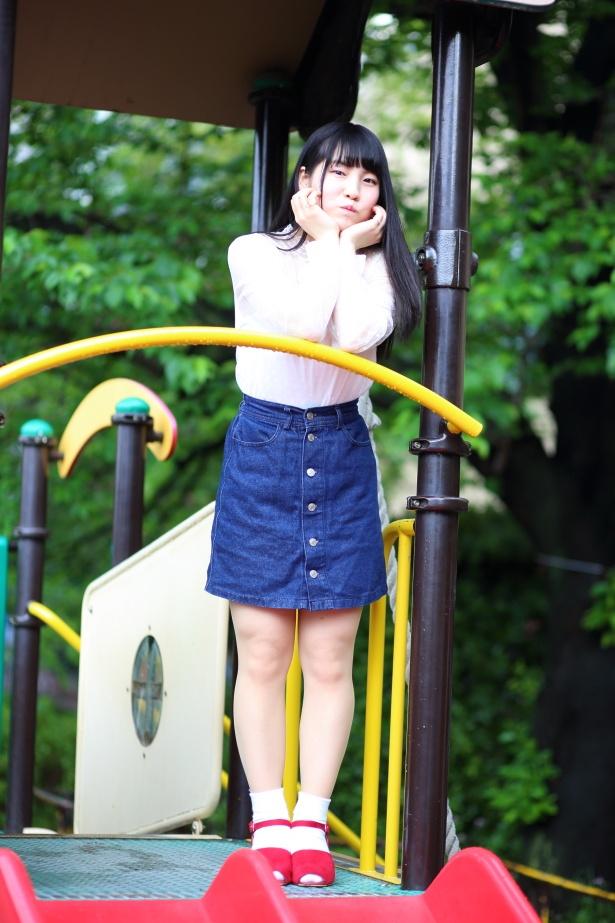 【写真を見る】新宿靖菜