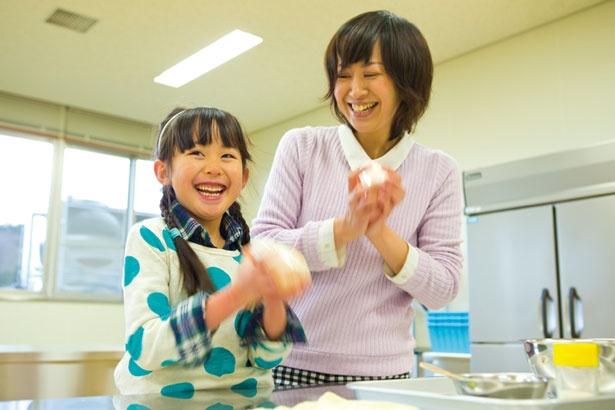 「動物学習館」では、バター作り体験を実施/奈良県営 うだ・アニマルパーク