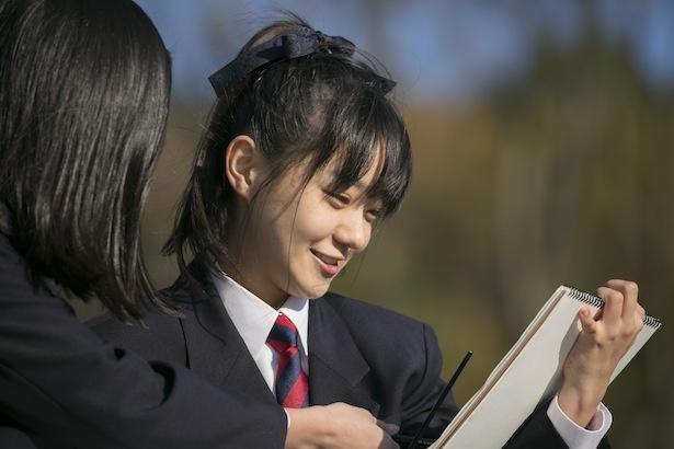 連続テレビ小説「半分、青い。」の菜生(奈緒)が、柏原芳恵の「春なのに」や松任谷由実の「リフレインが叫んでる」を熱唱した