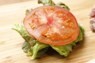 野菜はすべてその日に届いた新鮮な国産のものを使う
