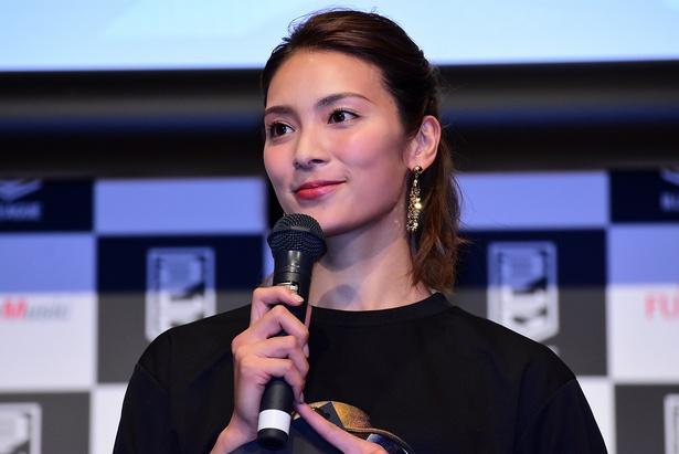"""B.LEAGUE CHAMPIONSHIP 2017-18 アンバサダー""に就任した秋元才加"