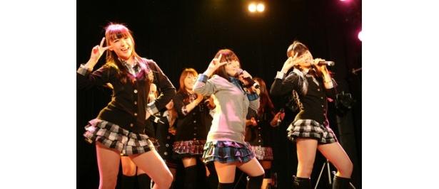 アニメ「とらドラ!」(テレビ東京ほか)の主題歌「プレパレード」も披露され、会場は大盛り上がり!