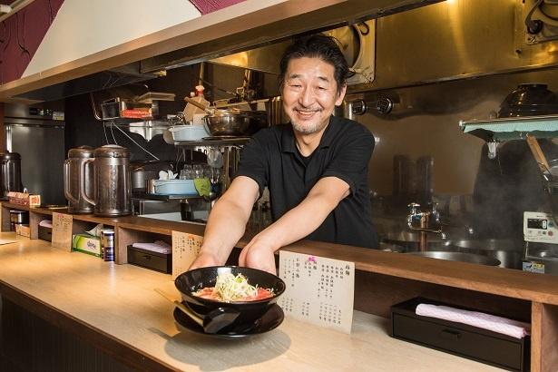 松阪牛を使ったラーメンを考案した伊藤直也さん。キャリア約40年のベテランで、テレビ番組の料理監修も務めてきた
