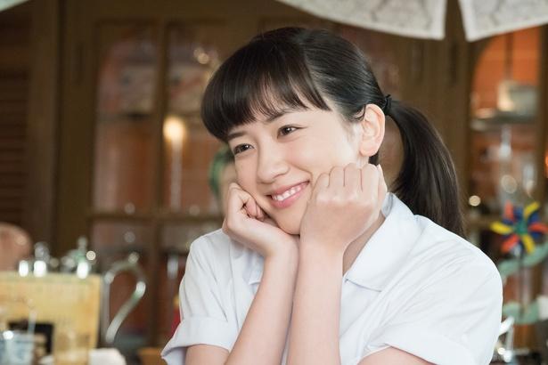 楡野鈴愛・にれのすずめ(永野芽郁)高校卒業後、カリスマ少女漫画家・秋風羽織の世界に憧れて上京。漫画家を目指す