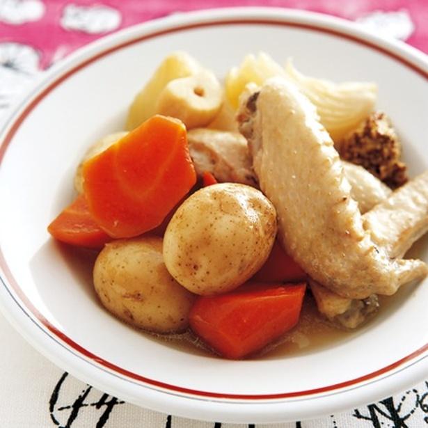 食べごたえ抜群の「手羽先と根菜の蒸し煮」
